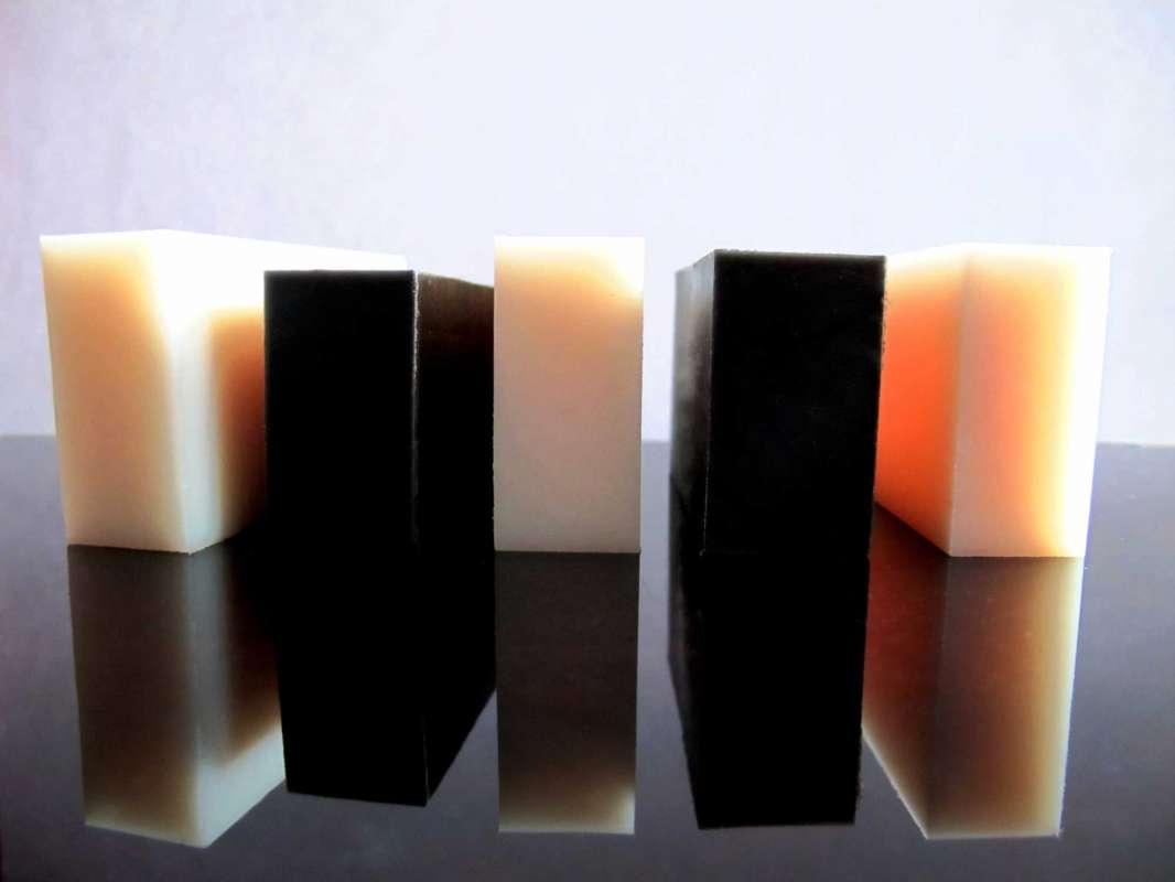 PA6, PA6G, APA, silon, PTFE silonové tyče a desky alkalický polyamid silon PA6 deska tloušťka 40mm formát 320x320mm plmont